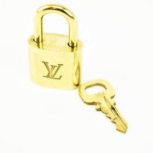 "LOUIS VUITTON Gold Metal ""LV"" Logo Padlock #304 rc"
